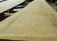 Live sawn pin oak lumber