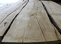 Live sawn soft maple lumber